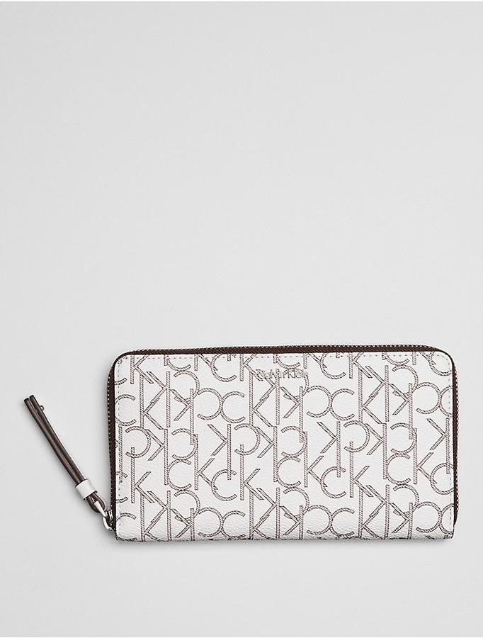 Calvin KleinTina Monogram Zip Wallet