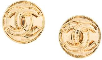 Chanel Pre-Owned CC logo button earrings