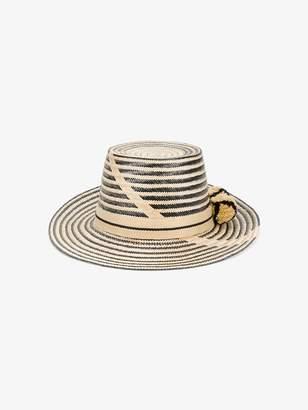 Yosuzi Aliana hat