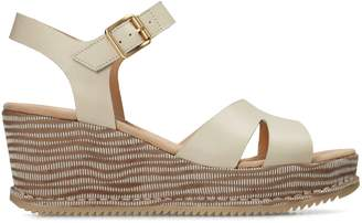 Clarks Akilah Eden Leather Wedge Sandals
