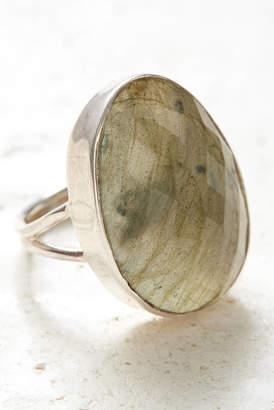 Baroni Strength Intuition Labradorite Ring
