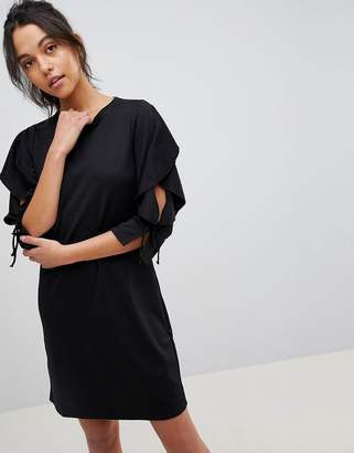 Y.A.S Life Ruffle Sleeve Dress