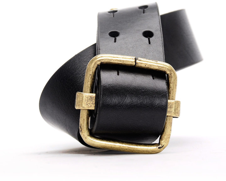 Used-effect leather belt