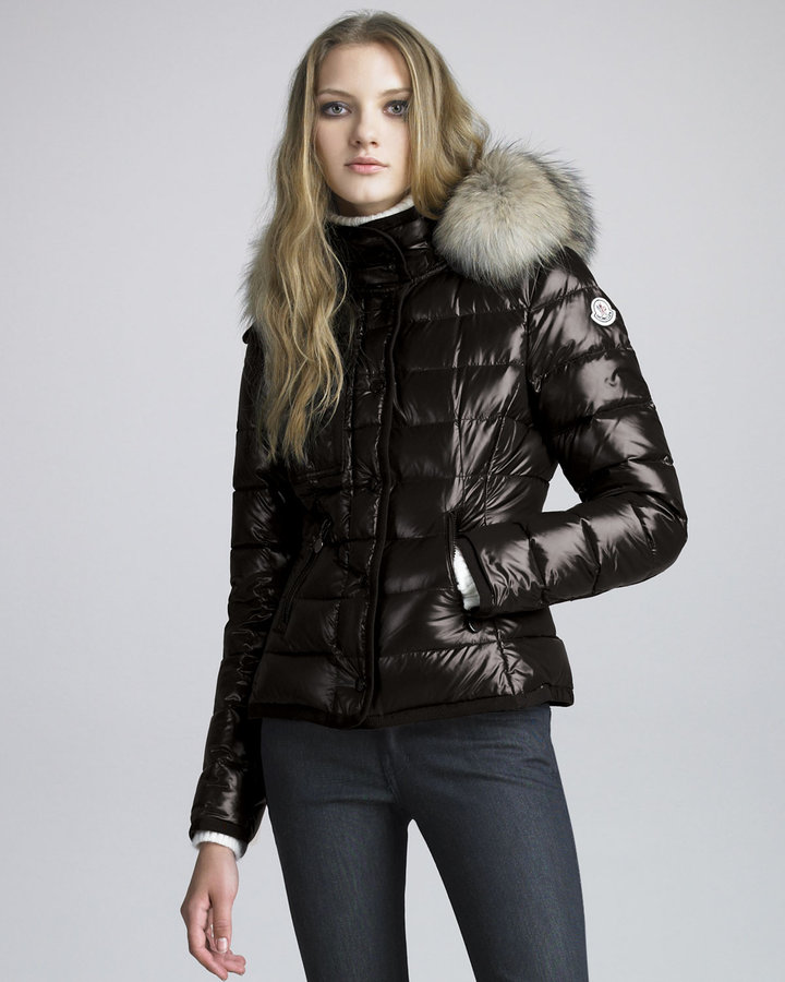 Moncler Short Coyote-Trim Lacquered Puffer Coat