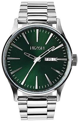 Nixon men's Quartz Watch Analogue Display and Stainless Steel Strap A3561696-00