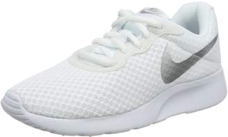 Nike Women's Tanjun SE Running Shoes 7