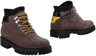 Pollini Ankle boots - Item 11504267NC