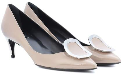 5364784fd178 Roger Vivier Sexy Choc patent leather pumps