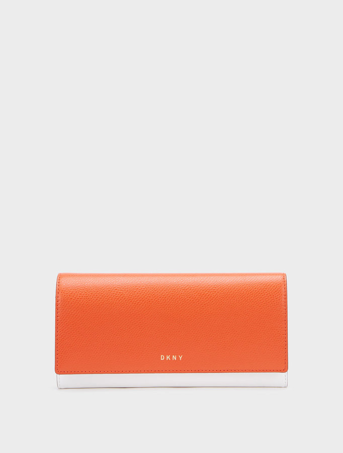 DKNYSaffiano Colorblock Wallet With Chain Strap