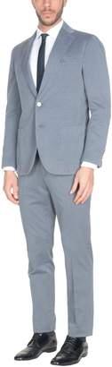 Roda Suits