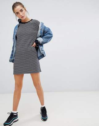 Daisy Street relaxed long sleeve dress in stripe