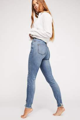 We The Free CRVY Mid-Rise Destroyed Skinny Jeans