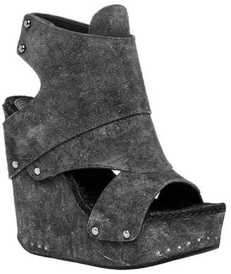 Max Studio Flaunt Wedge Sandal