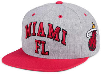 Mitchell & Ness Miami Heat Side Panel Cropped Snapback Cap