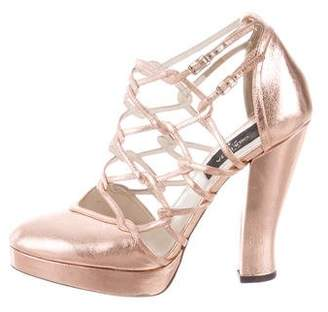 Giulietta Metallic Platform Pumps