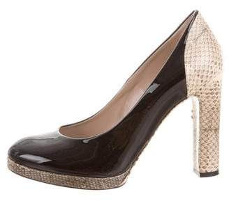 Chloé Snakeskin-Accented Round-Toe Pumps