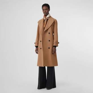 Burberry Herringbone Wool Cashmere Blend Trench Coat , Size: 06, Brown