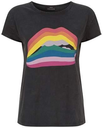 SET Rainbow Lips T-Shirt