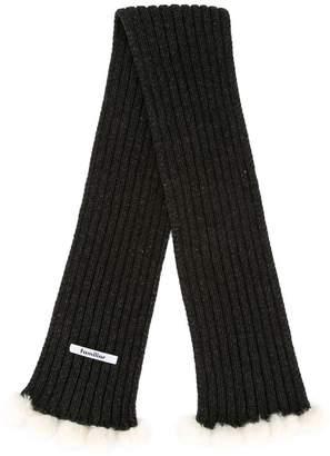Familiar chunky pompom scarf