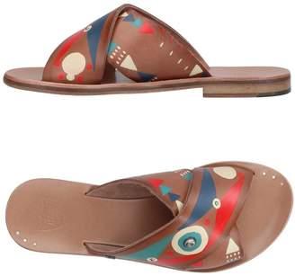HTC Sandals