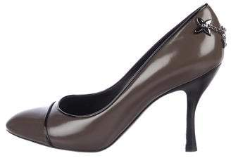 Louis Vuitton Leather Round-Toe Pumps