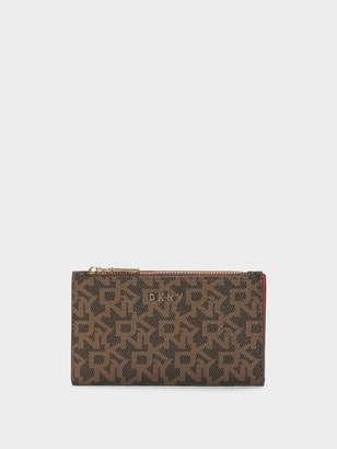 DKNY Bryant Town & Country Bifold Card Holder