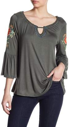 Cable & Gauge 3/4 Length Sleeve Embroidered Ruffle Shirt