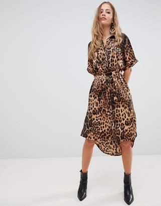Liquorish leopard print midi shirt dress