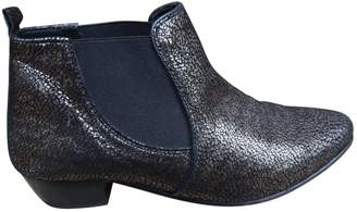 Comptoir des Cotonniers Gold Leather Ankle boots