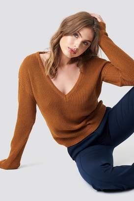 NA-KD Na Kd Deep Front V-neck Knitted Sweater Beige