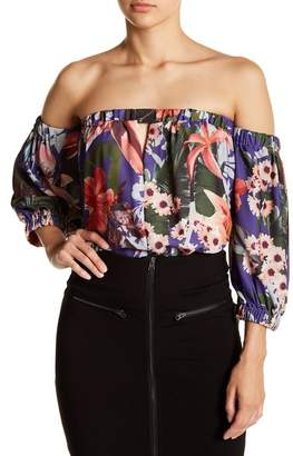 Romeo & Juliet Couture Off-the-Shoulder 3\u002F4 Length Sleeve Floral Blouse