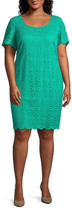 Ronni Nicole Short Sleeve Medallion T-Shirt Dresses - Plus