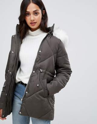 New Look faux fur trim quilted coat