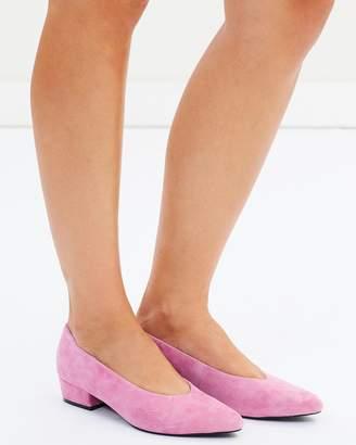 Atmos & Here ICONIC EXCLUSIVE - Renee Leather Block Heels