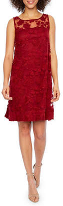 Robbie Bee Sleeveless Lace Shift Dress