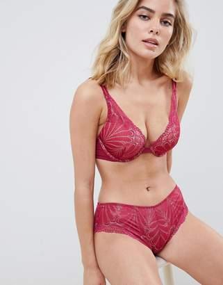 Wonderbra Refined Glamour lace shorty underwear in cherry