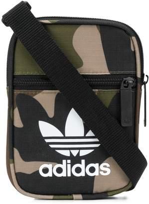 adidas (アディダス) - Adidas カモフラージュ ショルダーバッグ