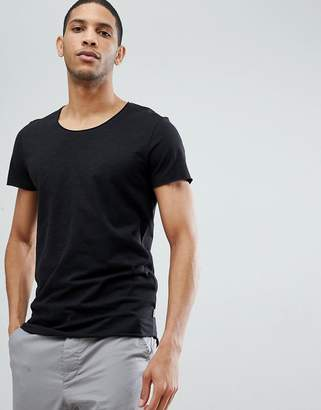 Jack and Jones Essentials Longline T-Shirt With Raw Neck