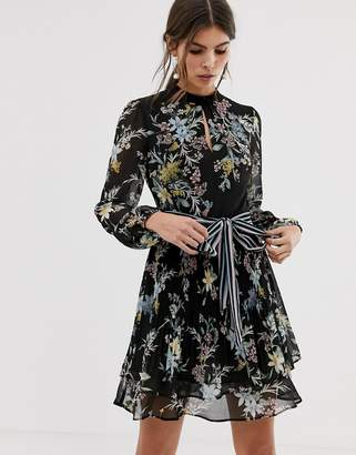 Oasis tea dress with tie waist in floral print