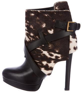Alexander McQueenAlexander McQueen Ponyhair Round-Toe Ankle Boots