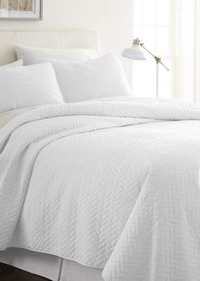 IENJOY HOME Home Spun Premium Ultra Soft Herring Pattern Quilted Twin Coverlet Set - White