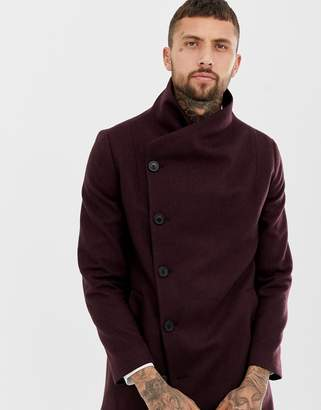 Religion coat In burgundy with asymmetric buttons In burgundy