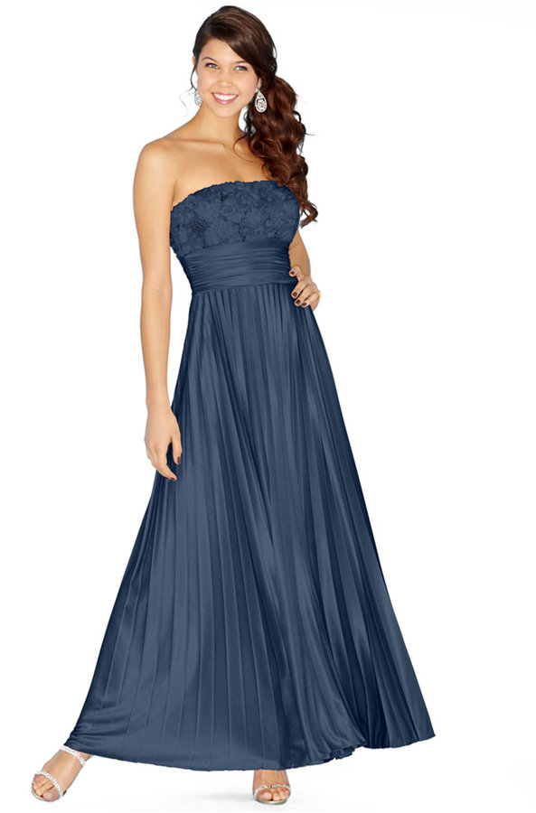 Speechless Juniors' Strapless Rosette Pleated Gown