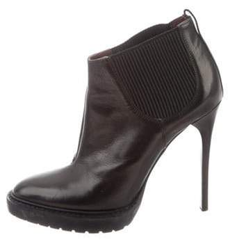 Burberry Leather Round-Toe Ankle Boots Black Leather Round-Toe Ankle Boots