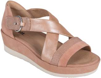 Earth R) Hibiscus Sandal