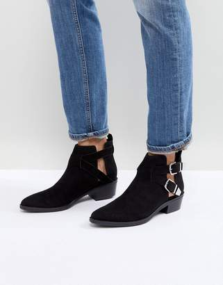 Bershka Cut Out Buckle Western Boots