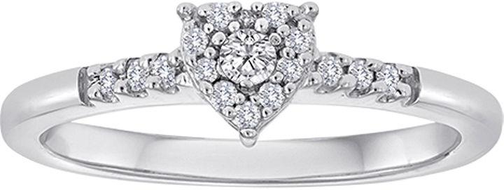 MODERN BRIDE 1/6 CT. T.W. Diamond Heart Ring