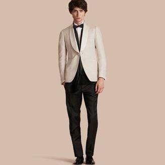 Burberry Slim Fit Shawl Lapel Linen Silk Evening Jacket $1,995 thestylecure.com