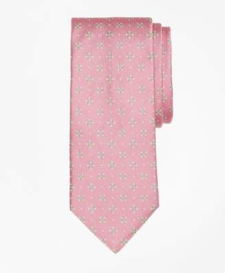 Brooks Brothers Textured Four-Petal Flower Tie