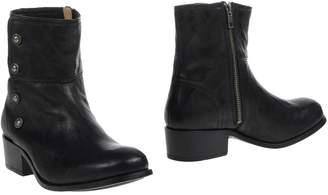 Frye Ankle boots - Item 44811160OG